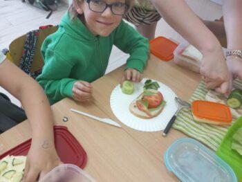 Robimy kanapki – zajęcia techniczne w klasie pierwszej